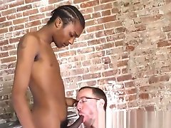 Black twink gives facial