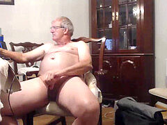 hANDSOMEGUY4U blows a load ON webcam 21 05 2019