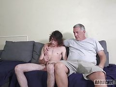 Teenage Skater Gets Fucked Raw On Casting Couch