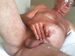 Old man wanking on web cam